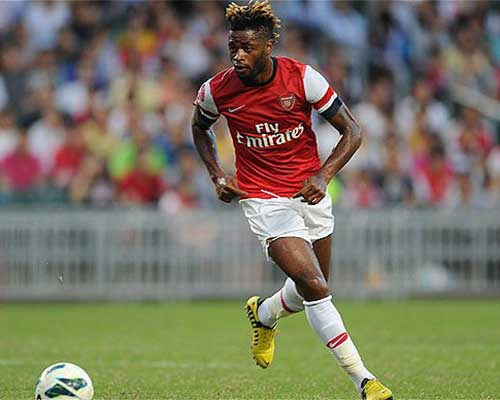 Arsenal: Thiếu một Alexandre Song - 1