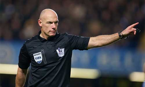 Howard Webb cầm còi, fan Barca lo lắng - 1