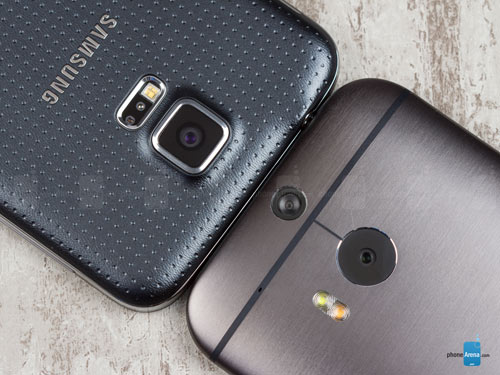 So sánh Samsung Galaxy S5 với HTC One M8 - 3