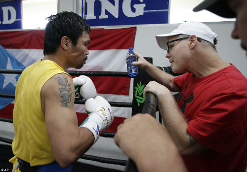 Pacquiao không muốn hạ knock-out Mayweather - 9
