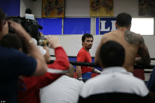 Pacquiao không muốn hạ knock-out Mayweather - 10