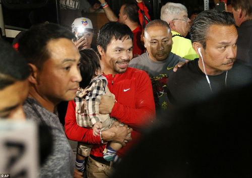 Pacquiao không muốn hạ knock-out Mayweather - 3